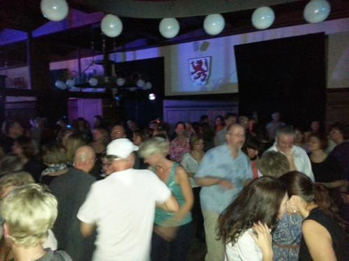 2013-11-16 UE40 Party